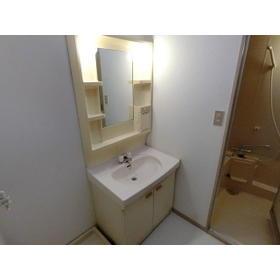 モトマチコア 102号室の洗面所
