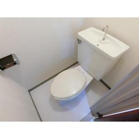 モトマチコア 102号室のトイレ
