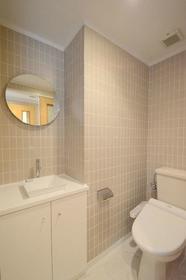 SOCIETY KAKINOKIZAKA WEST STAGE 102号室のトイレ