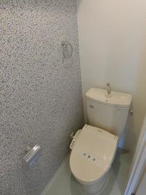 モナークマンション祐天寺 505号室のトイレ