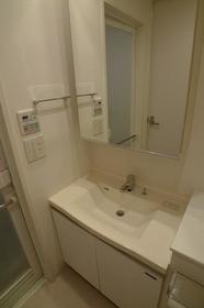 グレイスコート目黒 304号室の洗面所