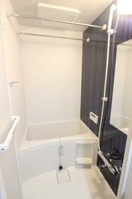 エメラルドブルー久が原 303号室の風呂