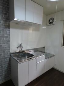 第2コーポ貫井 101号室のキッチン