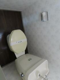 第2コーポ貫井 101号室のトイレ