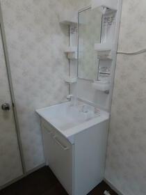 第2コーポ貫井 101号室の洗面所