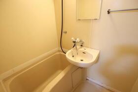 ディアディアA 203号室の風呂