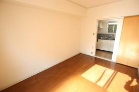 ディアディアA 203号室の居室