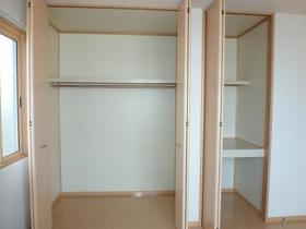 パルク・ブラウ 101号室の収納