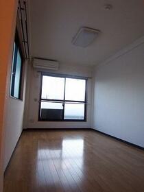 宮町マンション 402号室の居室