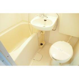 ドミ西片 13号室の風呂