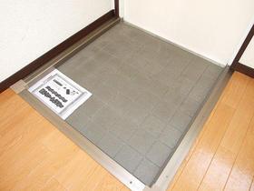 昴Ⅱ 205号室の玄関