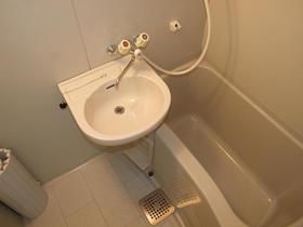 昴Ⅱ 205号室の風呂