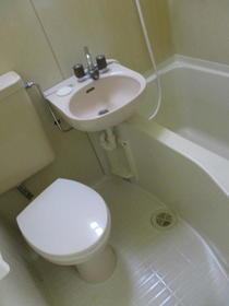 メゾン中尾第5 109号室のトイレ