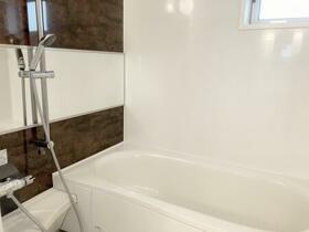 ロイヤルガーデンKIRINOKI Ⅱ 202号室の風呂