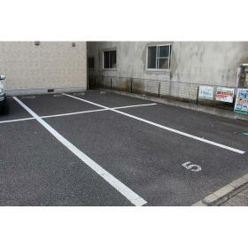 Petio 湊 101号室の駐車場