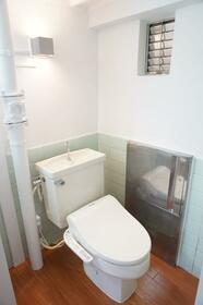 矢野口住宅 109号室のトイレ