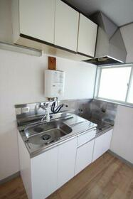 関山荘 201号室のキッチン
