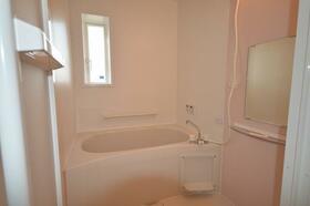 シャンボール・ド・クレB棟 102号室の風呂