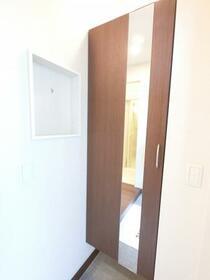 BSvilla A 102号室の玄関
