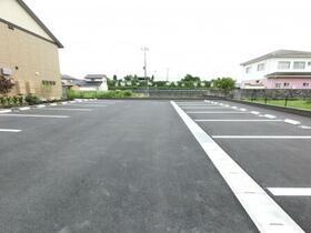 BSvilla A 203号室の駐車場
