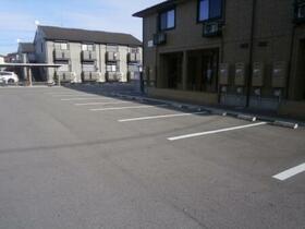 パルティールC 203号室の駐車場
