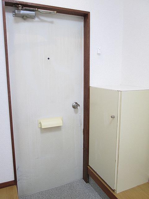ジュネスシモガキ 01020号室の玄関