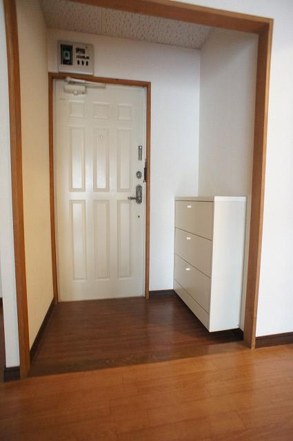 エルディム藤ニュータウン2 01010号室の玄関