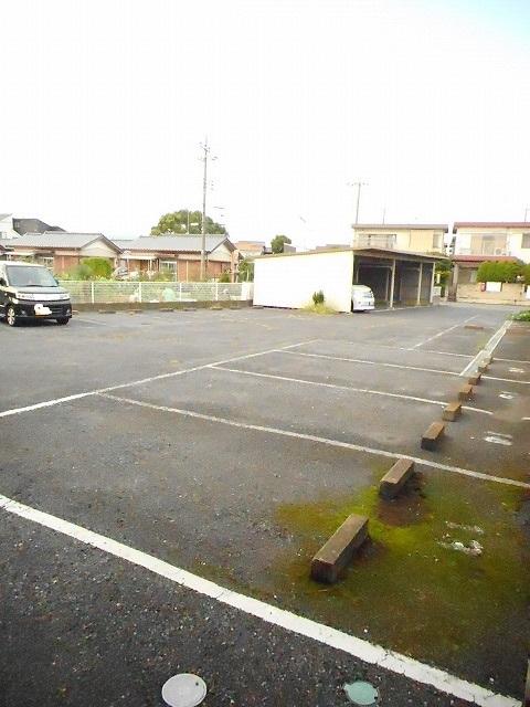 エルディム藤ニュータウン2 01010号室の駐車場