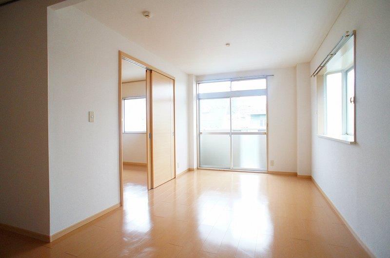 サンシティ竹内 02040号室のリビング