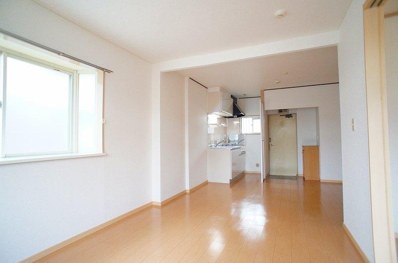 サンシティ竹内 02040号室の玄関