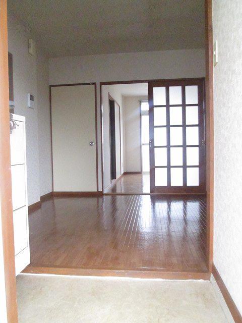 エルディム藤ニュータウン3 02030号室の玄関