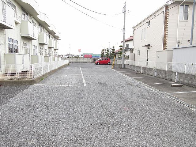 エルディム藤ニュータウン3 02030号室の駐車場