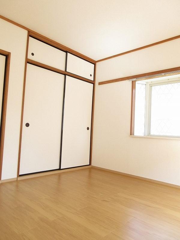 ハイツユーユー 01010号室の居室