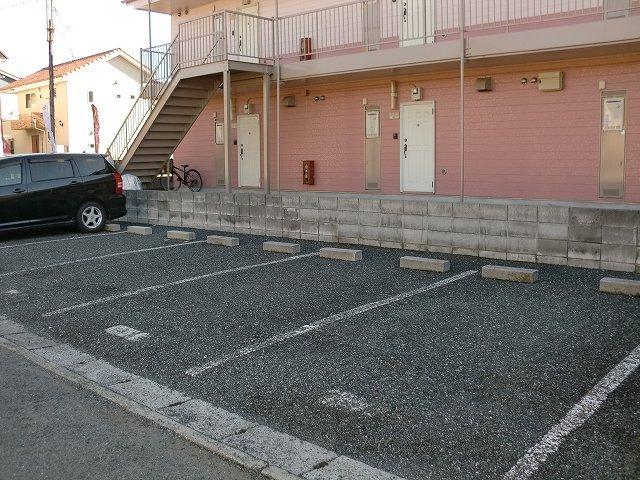 ハイツユーユー 01010号室の駐車場