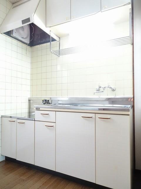 エルディム小野 02030号室のキッチン