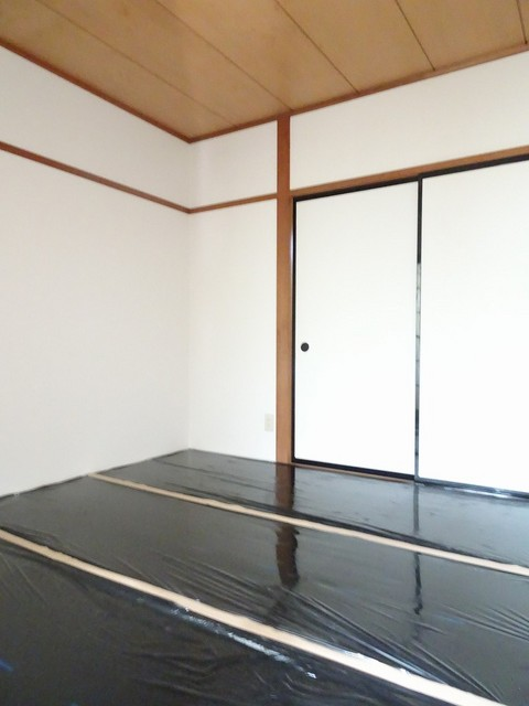 エルディム小野 02030号室の居室