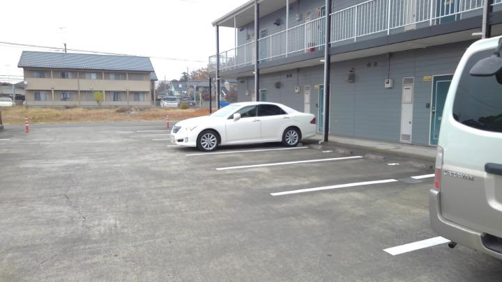 エルディム酒井 01010号室の駐車場