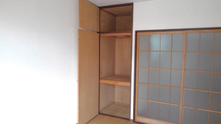 エルディム酒井 01010号室の収納
