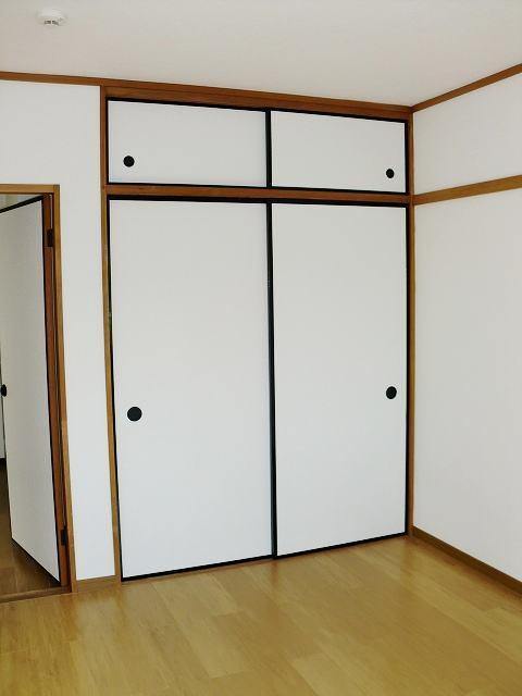 エルディムリバーサイド 01040号室の収納