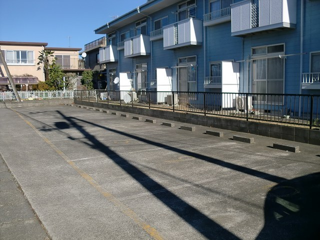 エルディムリバーサイド 02040号室の駐車場
