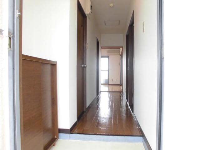 ニューマリッチ石川壱号館 04040号室の玄関