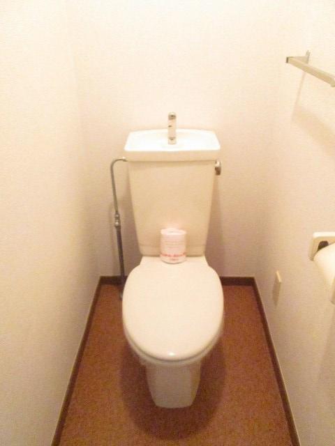 ファミリーステイツ3 02050号室のトイレ