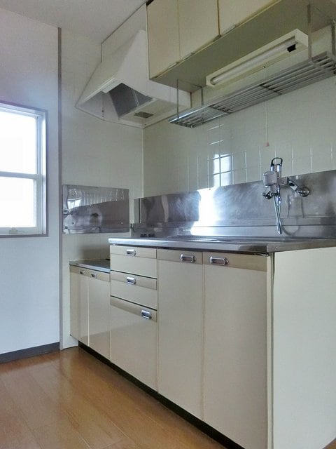 メゾンベールB 01020号室のキッチン