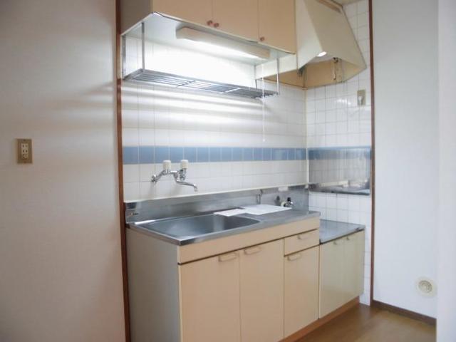 サンライフホリゴメA 01020号室のキッチン