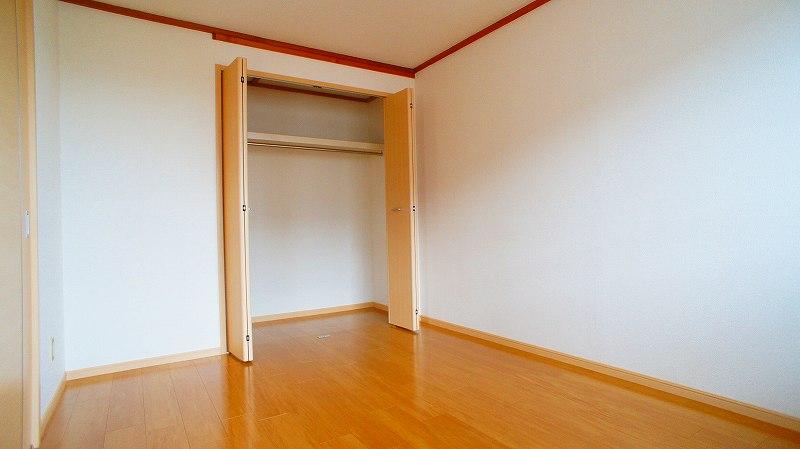 エルディムコスモス 02020号室の収納