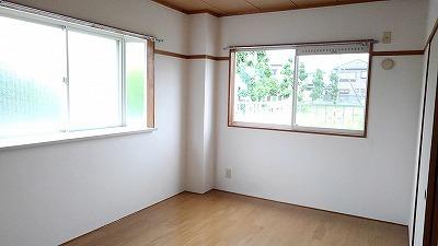 エルディム比治山 01010号室の居室