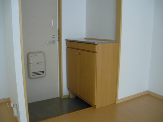 エルディム・大塚 01010号室の玄関