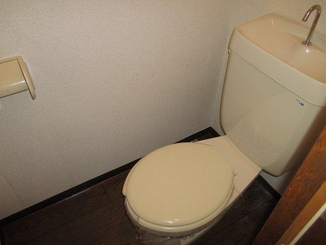 友和ハイツ 01010号室のトイレ