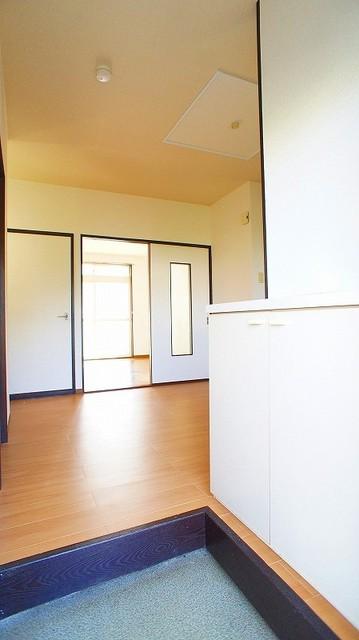 友和ハイツ 01030号室の玄関