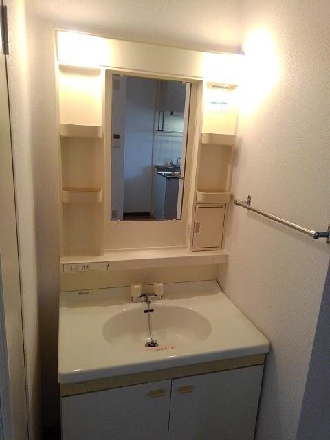 PRIVⅥ 02020号室の洗面所